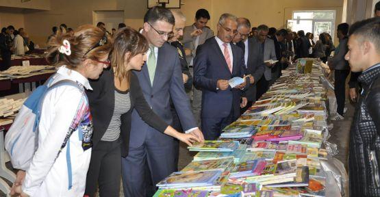 16 bin kitap görücüye çıktı