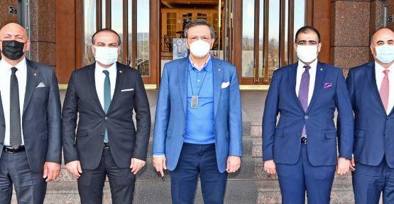 ek sefer ve İzmir'e  uçak seferleri talep edildi
