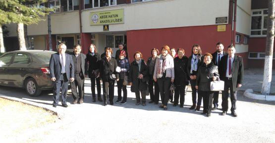 ilçedeki okullara ziyarette bulundular