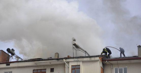 Merzifon'da çatı yangını korkuttu