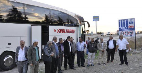 Otobüs şoförü yolcuları indirip eylem yaptı